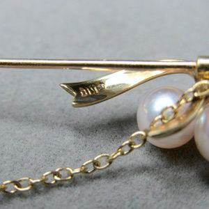 Mikimoto Jewelry - 18k Mikimoto Pearls and Bow Stickpin Brooch 4grams